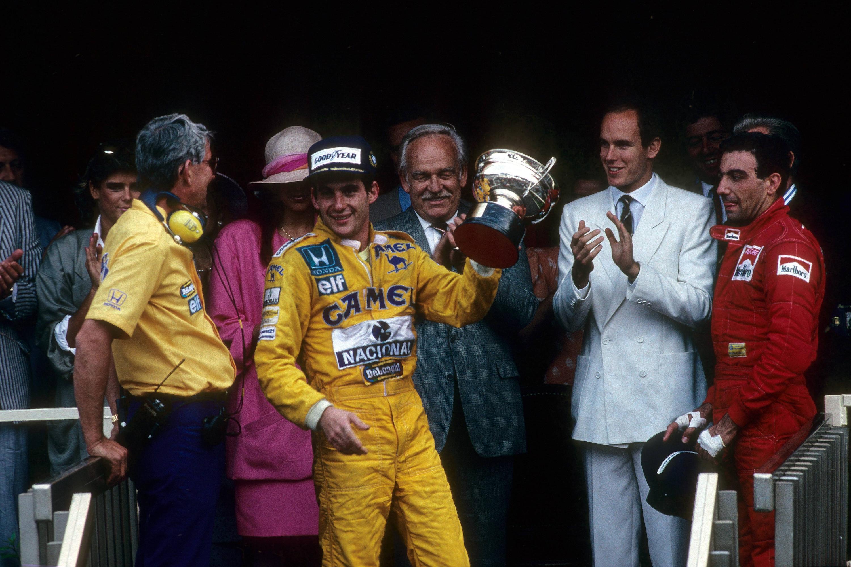 Bild zu Ayrton Senna, Monaco, Monte Carlo, Pokal, Lotus