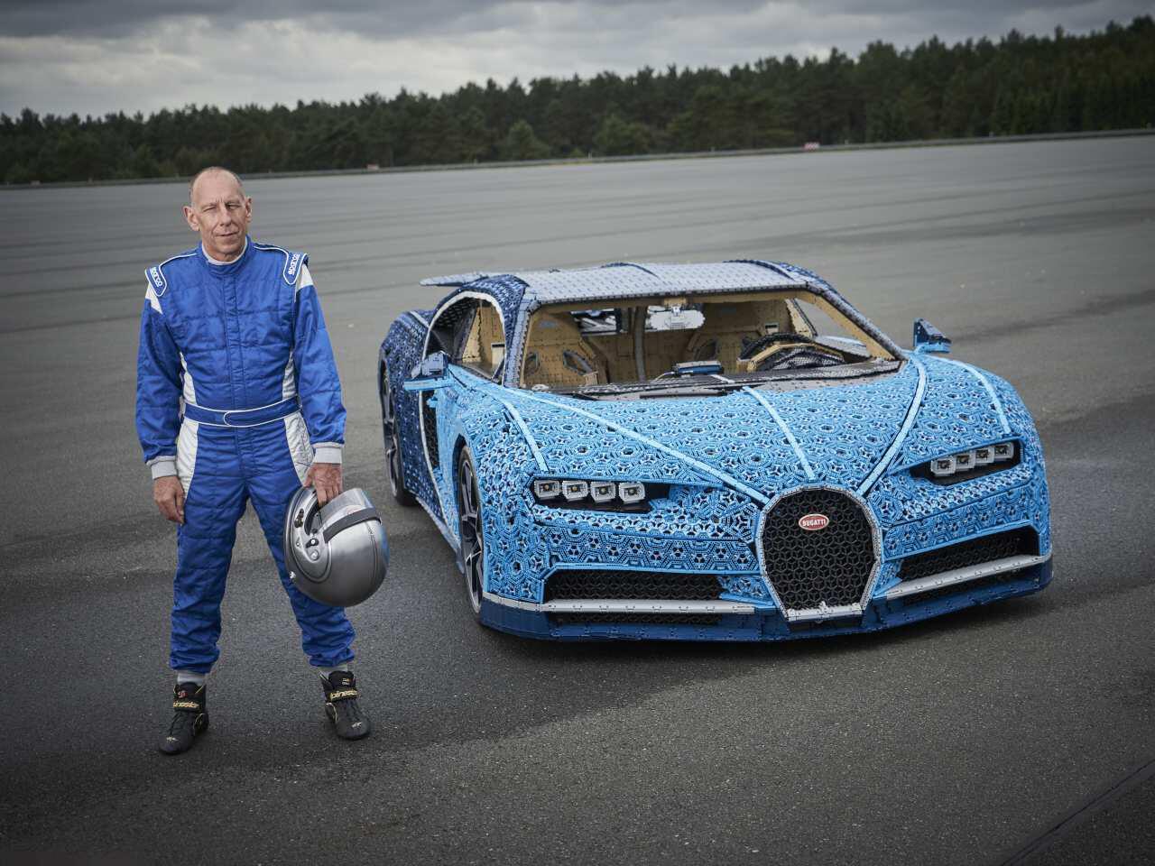 Bild zu 1:1-Modell Bugatti Chiron