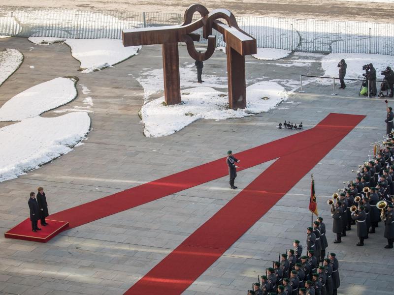 Bild zu Militärische Ehren