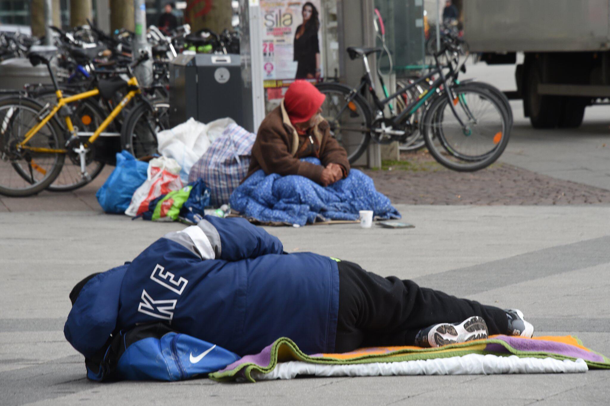 Bild zu Bundesregierung, Armuts- und Reichtumsbericht
