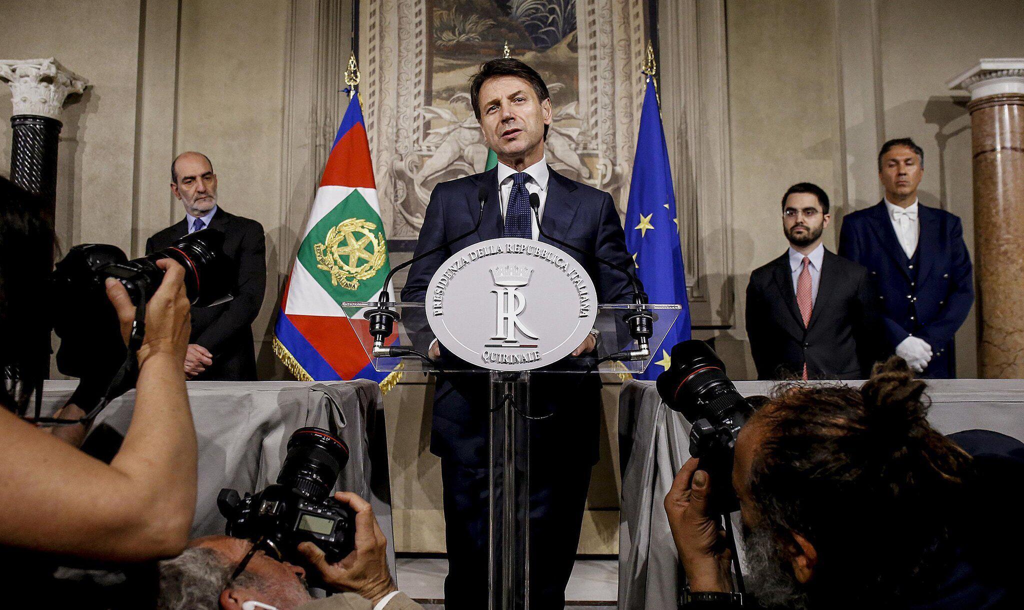 Bild zu Jurist Conte nimmt Regierungsauftrag in Italien an