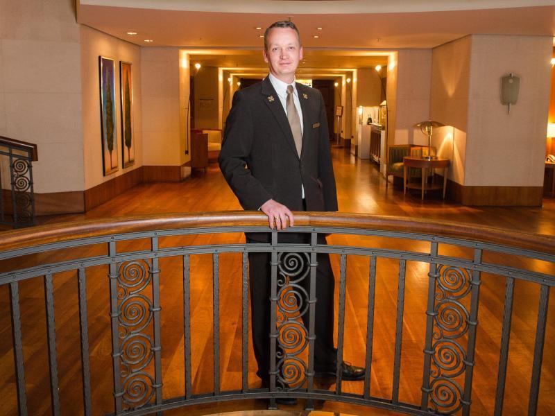 Bild zu Hotel-Concierge Simon Bertram