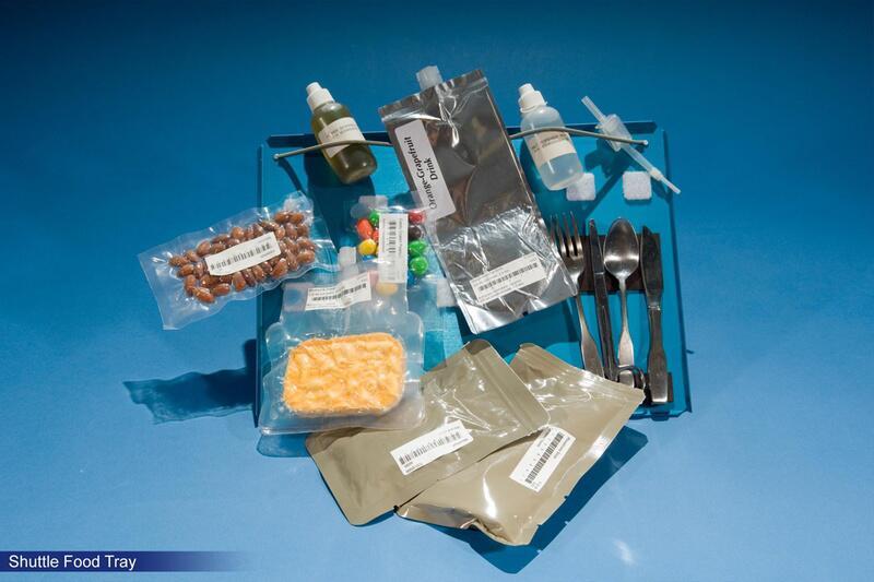 Bild zu Tablett mit Essen aus der Zeit der Space Shuttles
