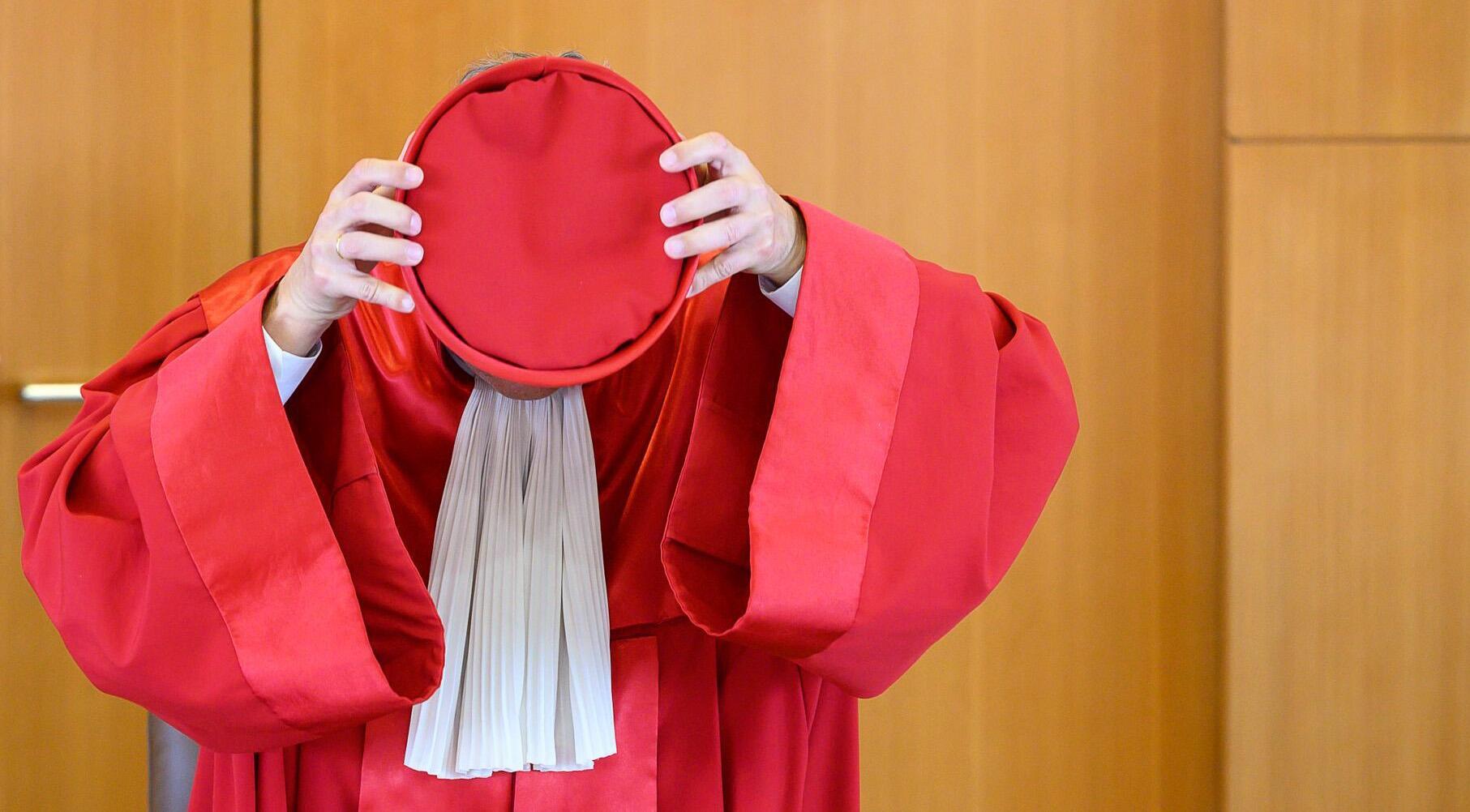 Bild zu Andreas Voßkuhle, Bundesverfassungsgericht, Kopfbedeckung