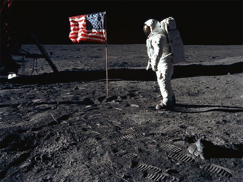verschw rungstheorie waren us astronauten wirklich auf. Black Bedroom Furniture Sets. Home Design Ideas