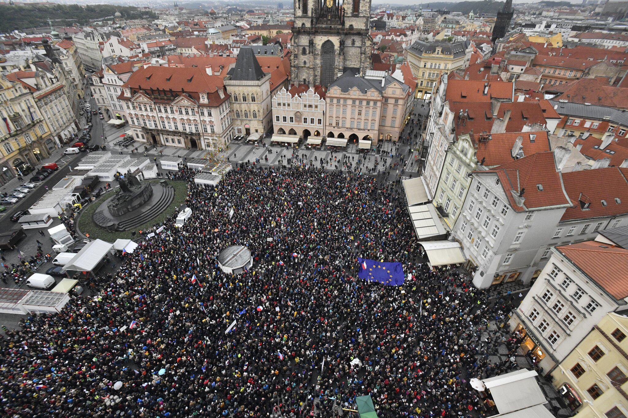 Bild zu Proteste in Tschechien für unabhängige Justiz