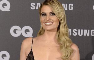 TV-Moderatorin Adriana Abenia nimmt Nippel-Fauxpas mit Humor