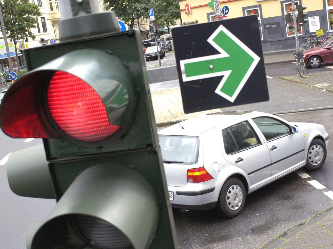 Bild zu Einfahren in eine volle Kreuzung: Hier ist Vorsicht geboten