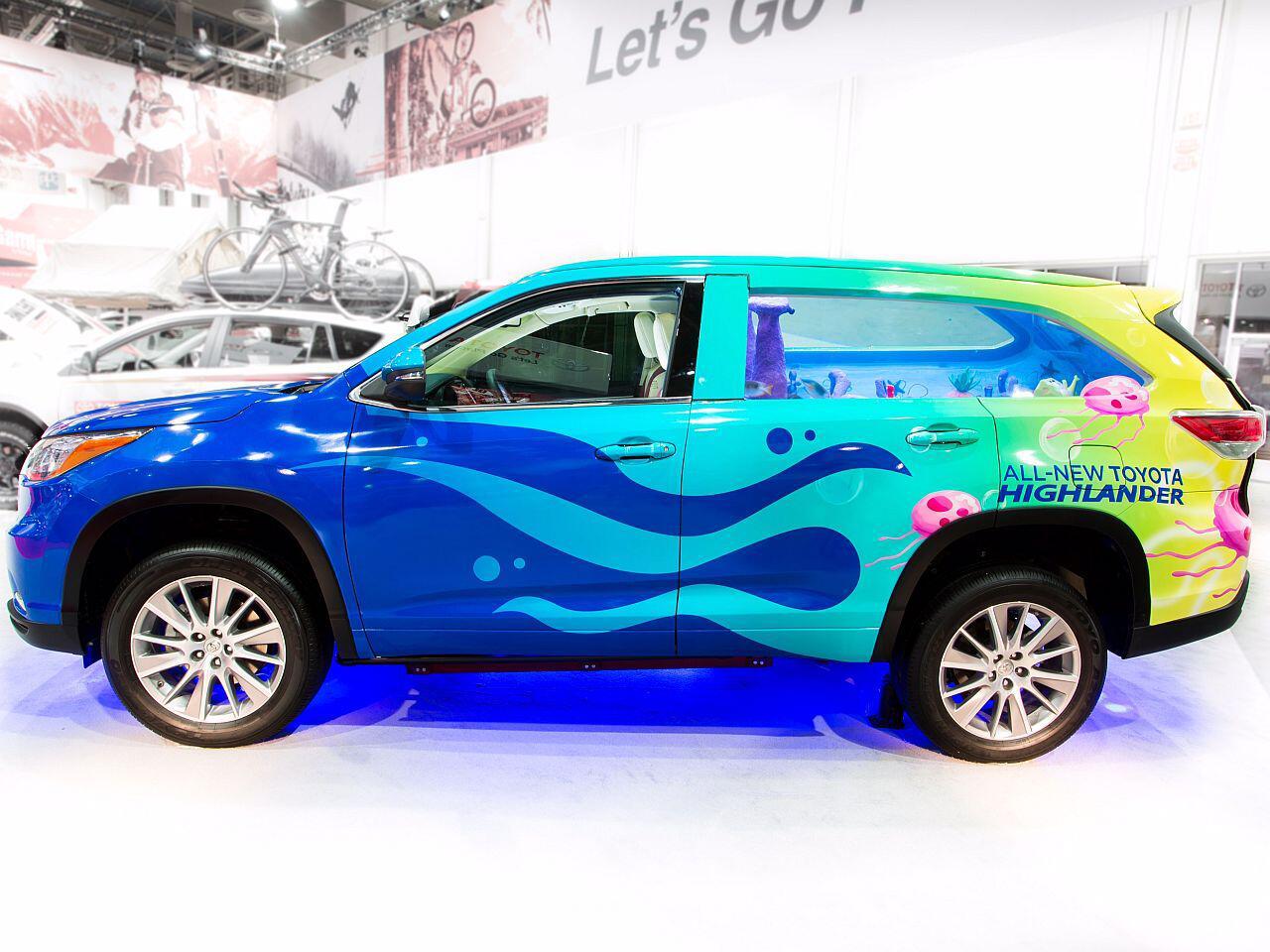 Bild zu Toyota Highlander 2014 mit SpongeBob-Folierung und integriertem Aquarium