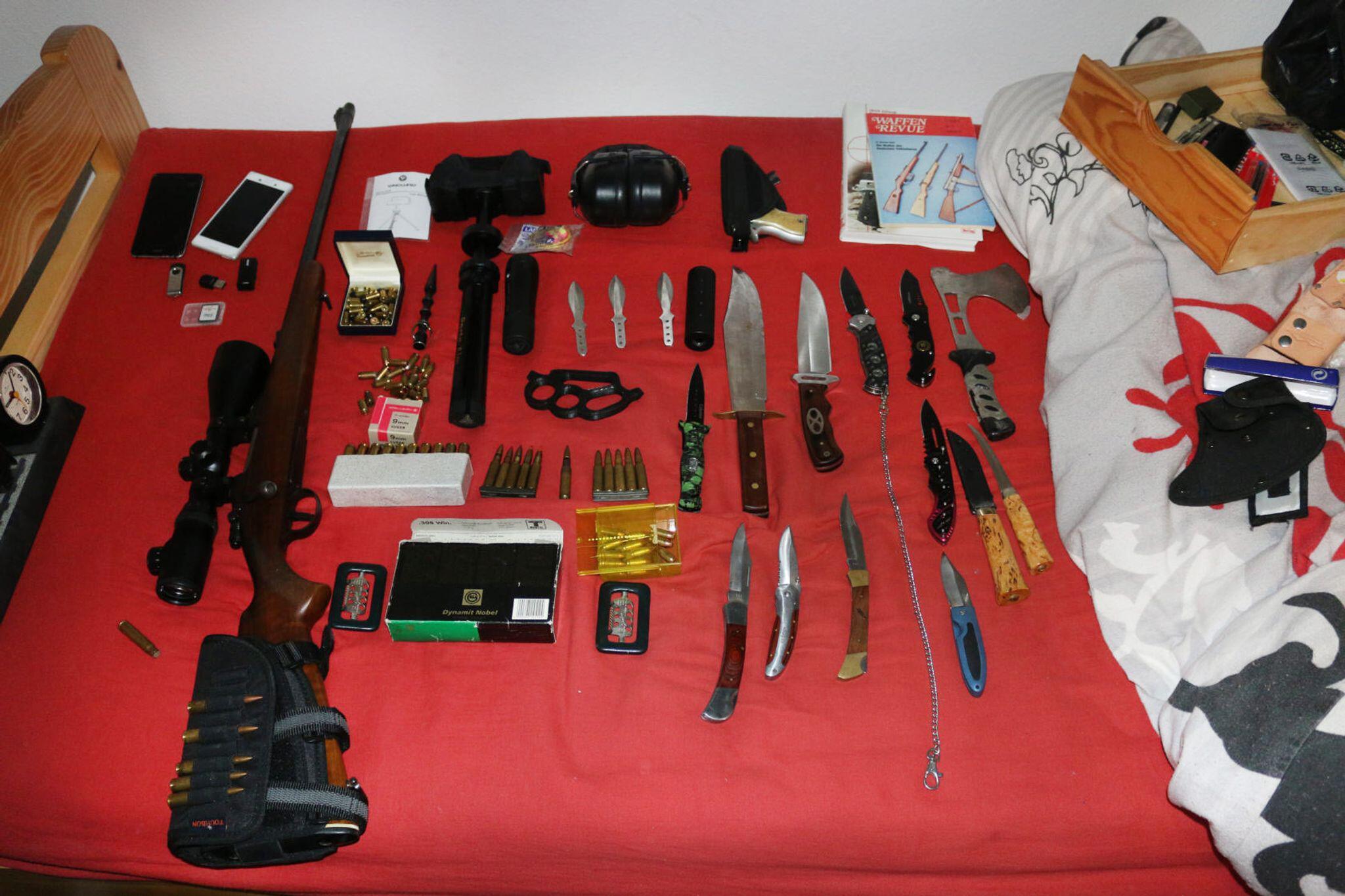 Bild zu Waffen und Munition bei Bundeswehrsoldat gefunden