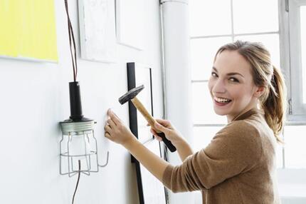 h mmern schrauben d beln sieben tipps f r heimwerker. Black Bedroom Furniture Sets. Home Design Ideas