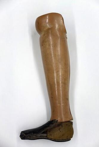 Bild zu Holzbein aus Kambodscha