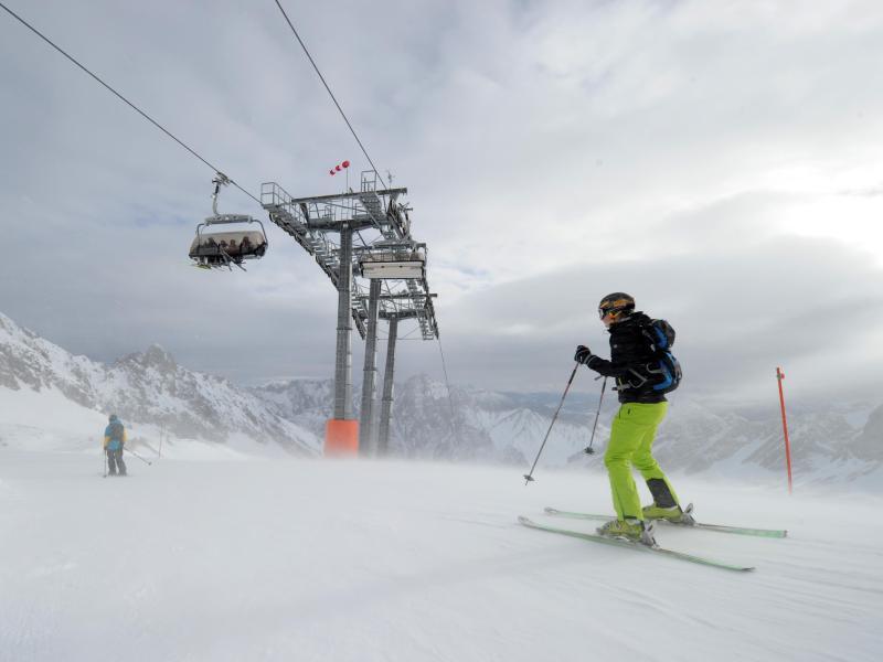 Bild zu Skifahrer