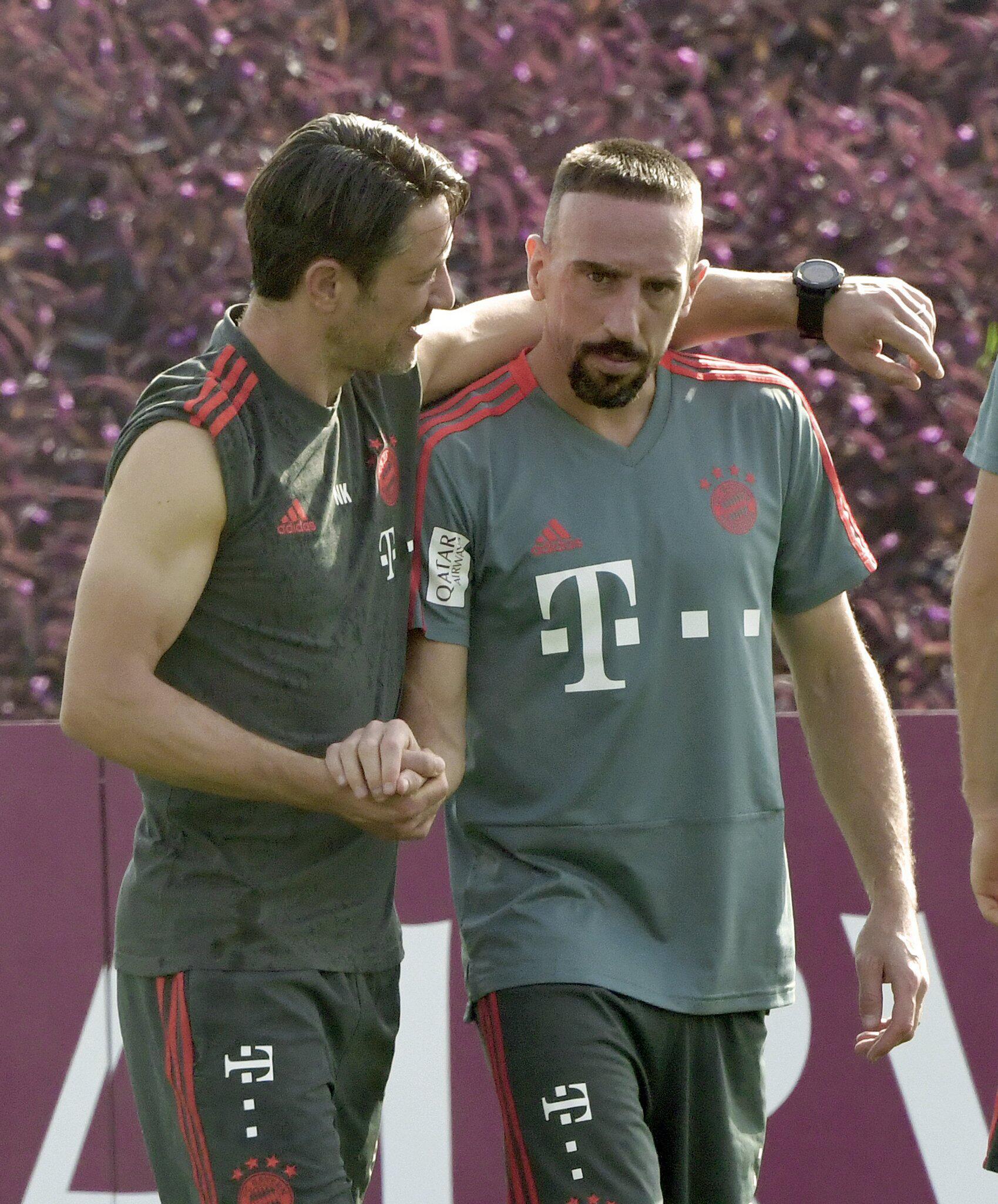 Bild zu Niko Kovac, Franck Ribéry, FC Bayern München, Trainingslager, Doha, Katar