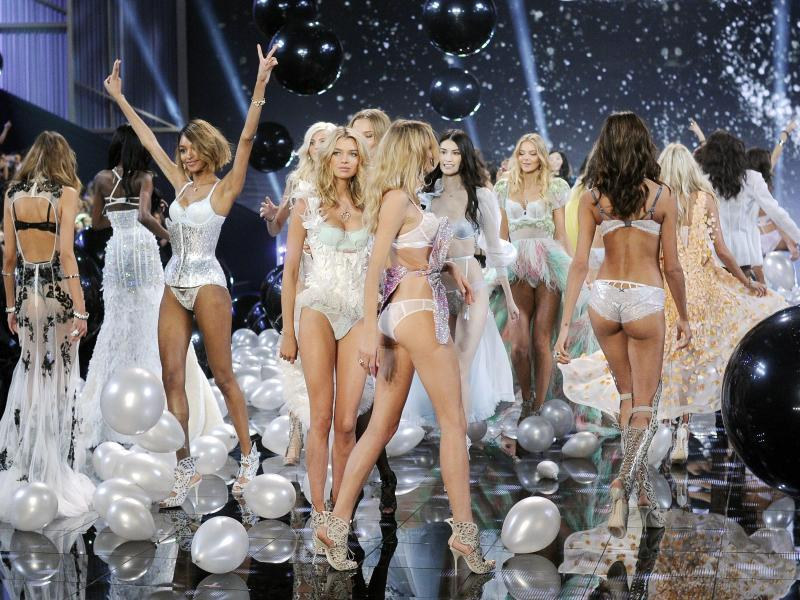 Bild zu Victoria's Secret Fashion Show 2014