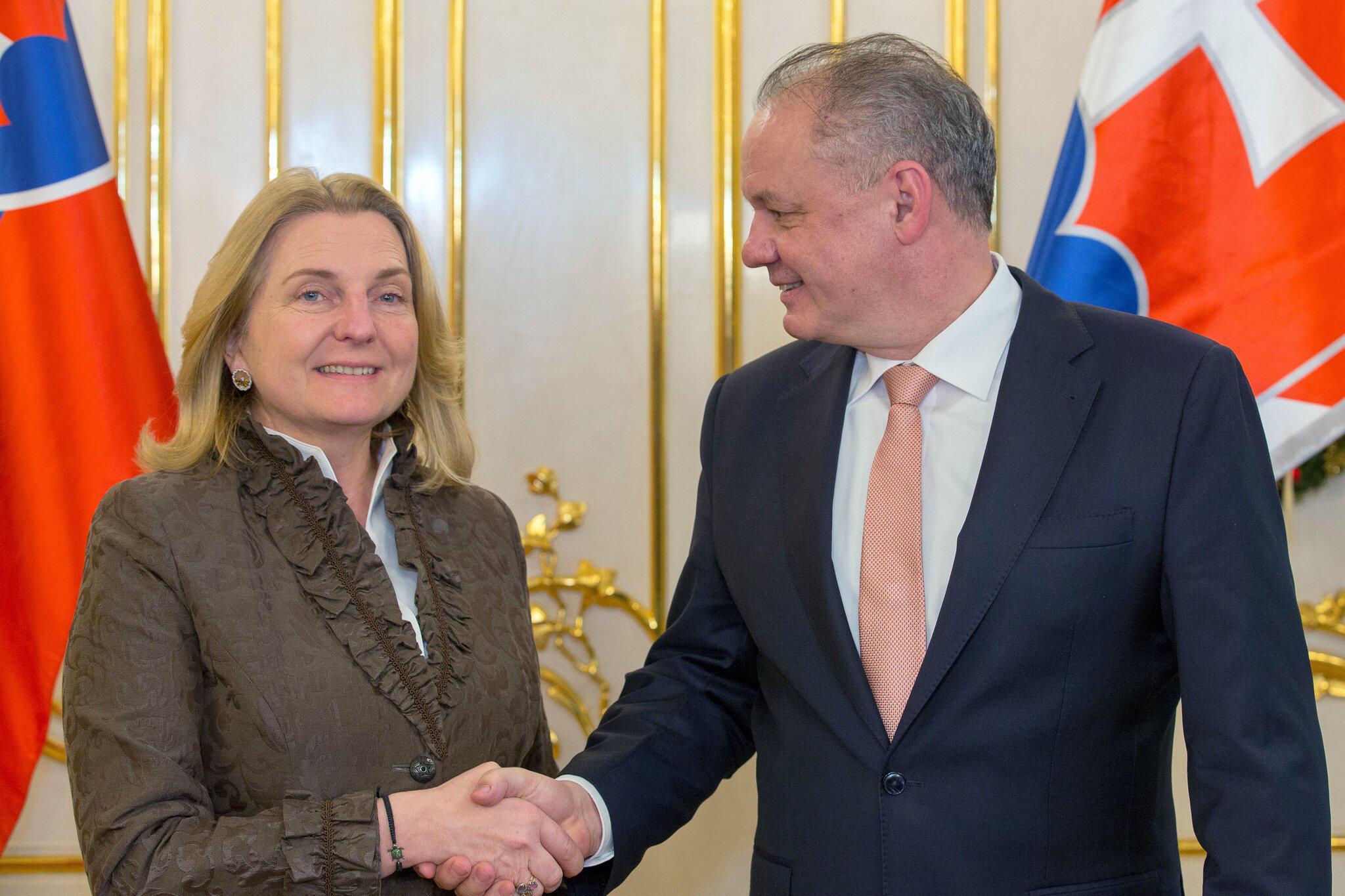 Bild zu Österreichs Außenministerin Kneissl in Bratislava