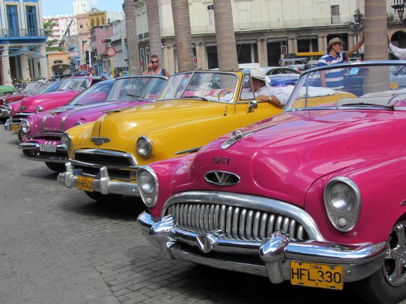 Bild zu Oldtimer auf Kuba
