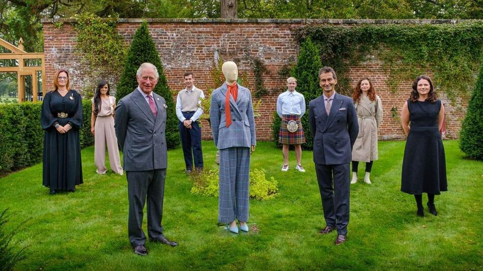 Prinz Charles stellt nachhaltige Modekollektion vor