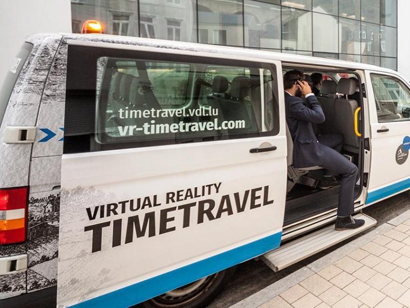 Bild zu Zeitreise-Bus