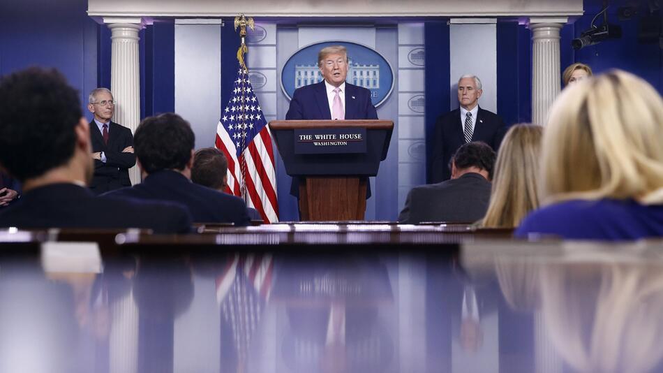 Coronavirus - USA, PK Trump