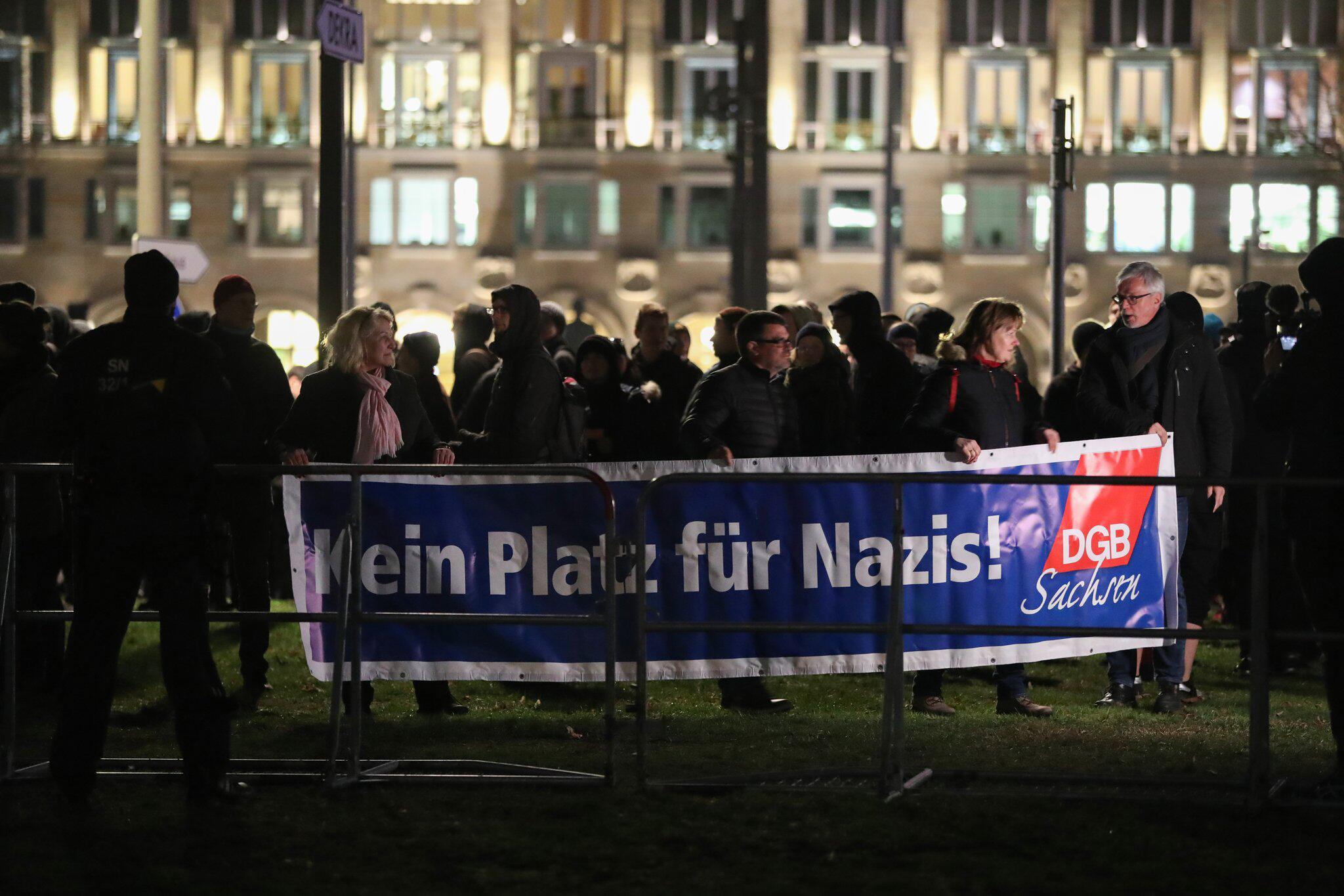 Bild zu Proteste gegen Neonazi-Aufmarsch in Dresden