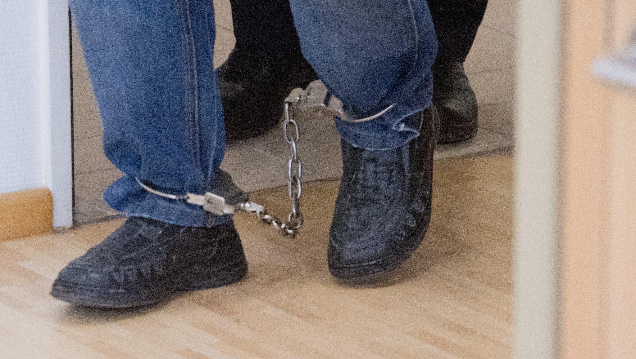 Bild zu Prozess gegen einen Großvater, Stralsund, Missbrauch, Enkelinnen