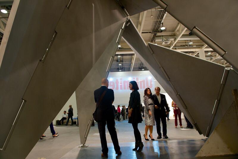 """Bild zu """"""""Fantastic Architecture 1"""" von Lygia Clark"""