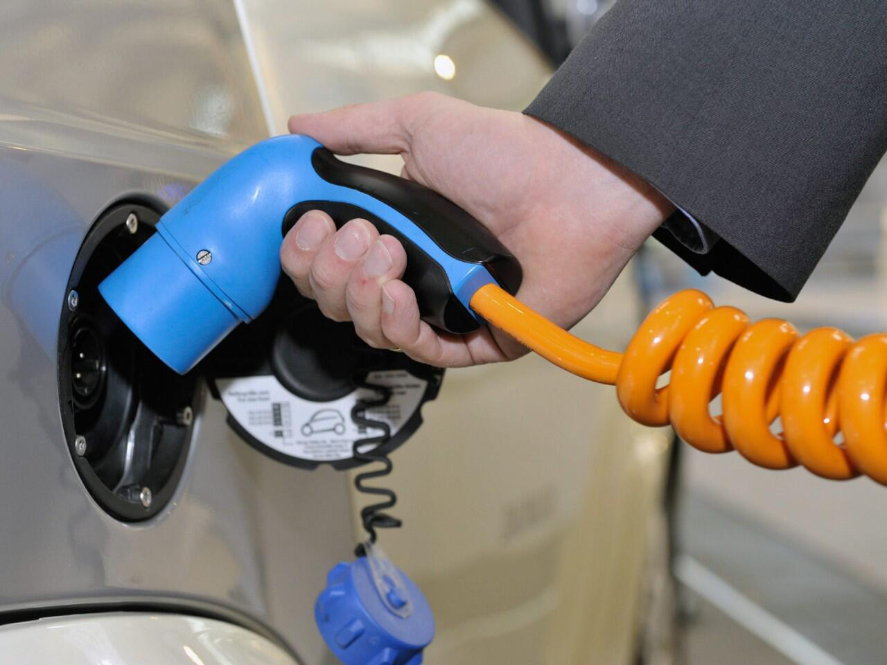 Bild zu Elektroauto kaufen - Vor- und Nachteile bedenken