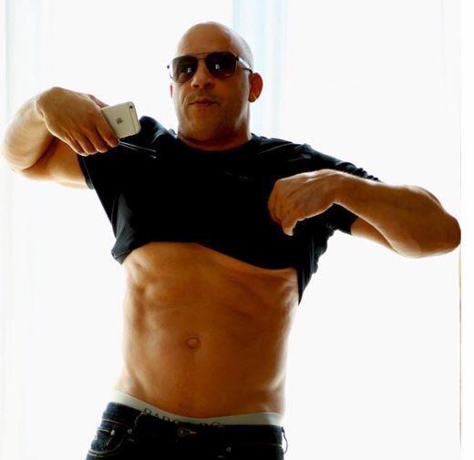 Bild zu Vin Diesel, Bauchmuskeln