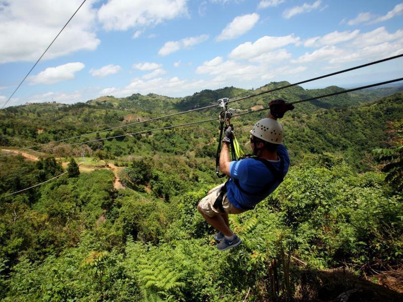 Bild zu Toro Verde Park Puerto Rico