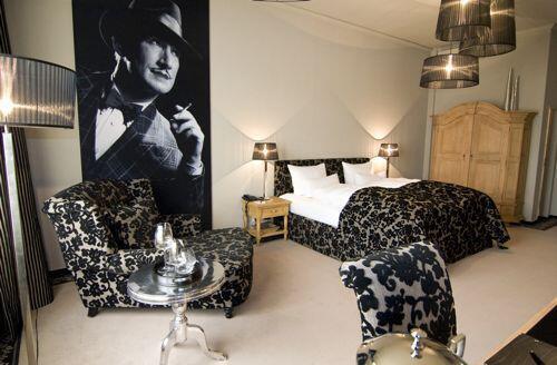 hier wohnen sie im gro en stil. Black Bedroom Furniture Sets. Home Design Ideas