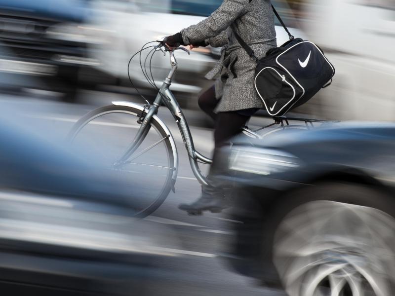 Bild zu Radfahrer in der Großstadt
