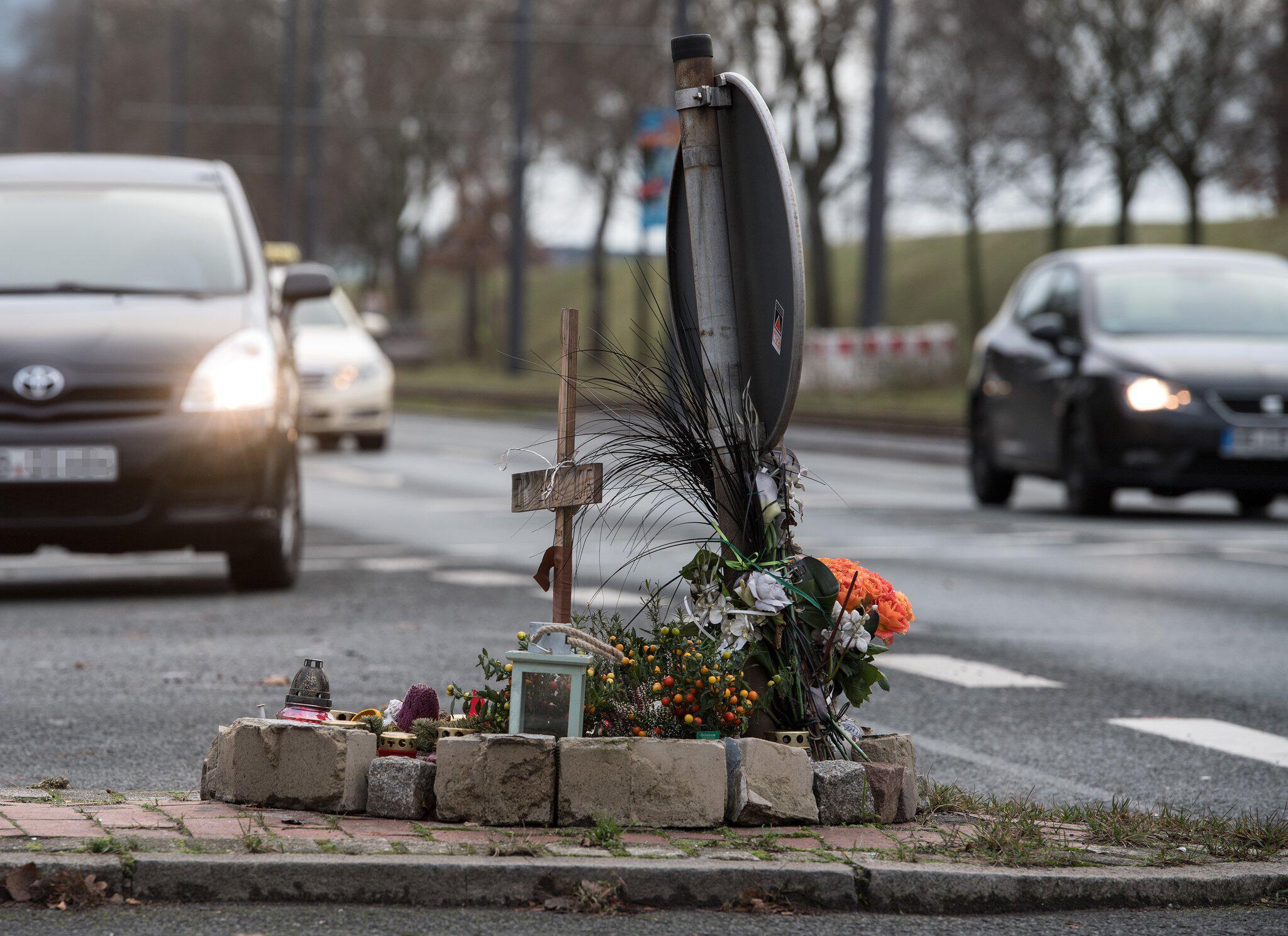 Bild zu Mordprozess gegen Motorradfahrer