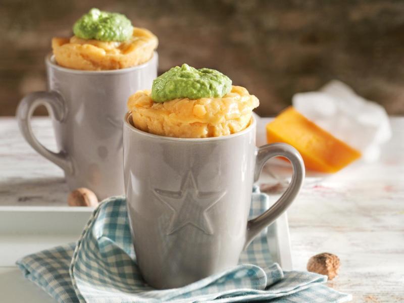 Bild zu Mug Cakes mit drei Käsesorten