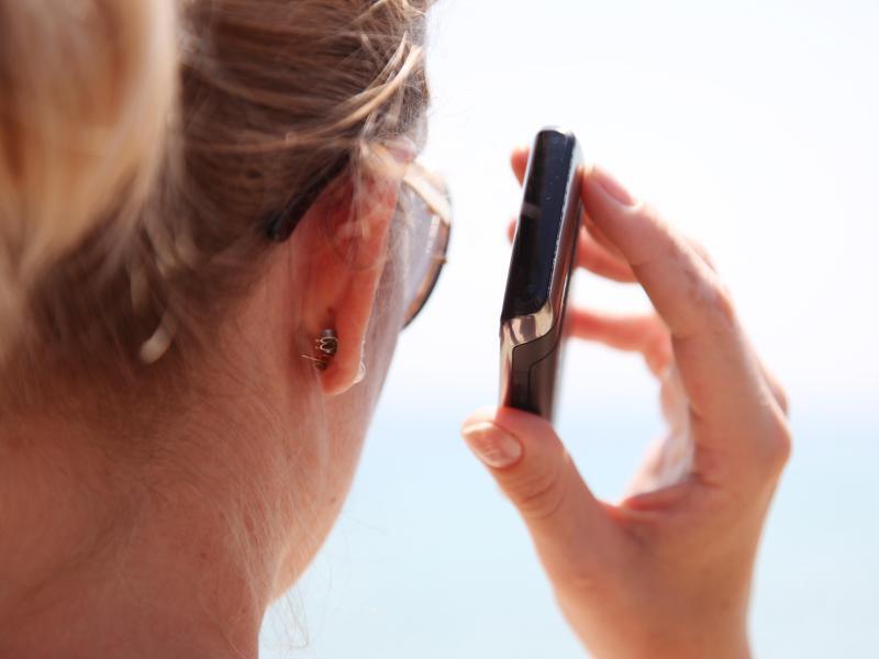 Bild zu Gespräch per Handy