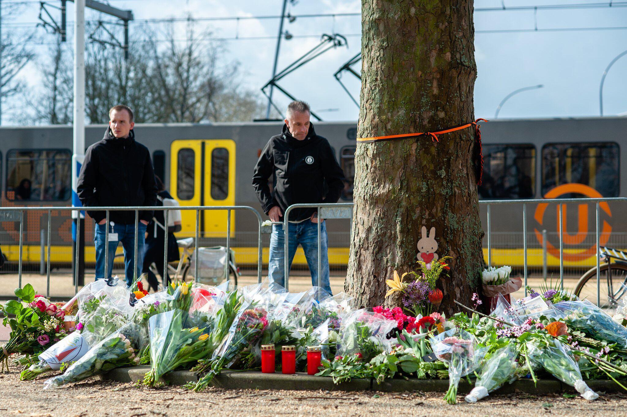Bild zu Trauer nach Anschlag in Straßenbahn in Utrecht