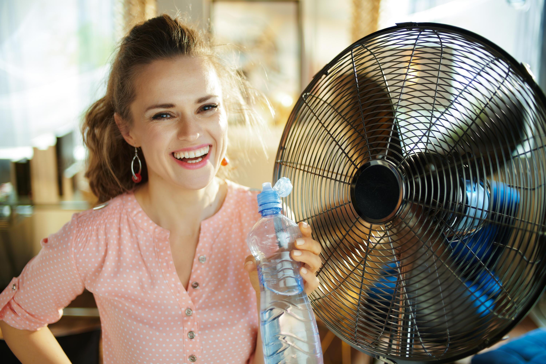Bild zu sommer, hitze, ventilator, abkühlung, standventilator, säulenventilator, usb ventilator
