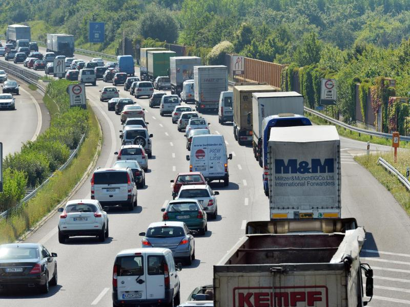 Bild zu Autobahn A 8 bei Karlsruhe