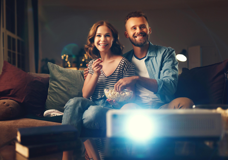 Bild zu beamer, gerät, tv, fernsehen, heimkino, mini-beamer, handy, smartphone, projektor